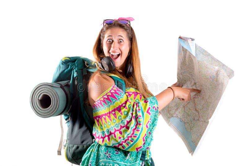 Dziewczyna turysta z plecakiem i map? obrazy stock