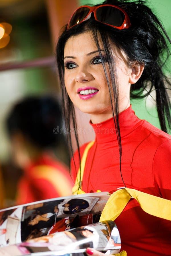Download Dziewczyna Uśmiech ładny Czerwony Koszulowy T Obraz Stock - Obraz złożonej z portret, wargi: 13338431