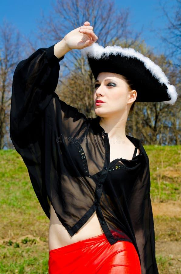 Dziewczyna ubierająca jako pirat zdjęcia royalty free