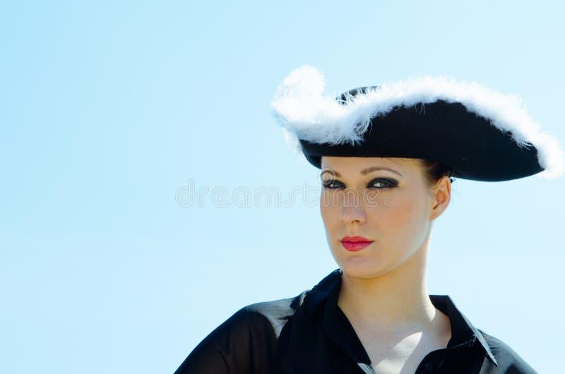 Download Dziewczyna Ubierająca Jako Pirat Zdjęcie Stock - Obraz złożonej z charakter, kołnierz: 53779662