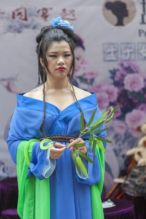 Dziewczyna w antycznym kostiumu obrazy stock