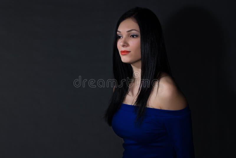 Dziewczyna w błękit sukni zdjęcia royalty free