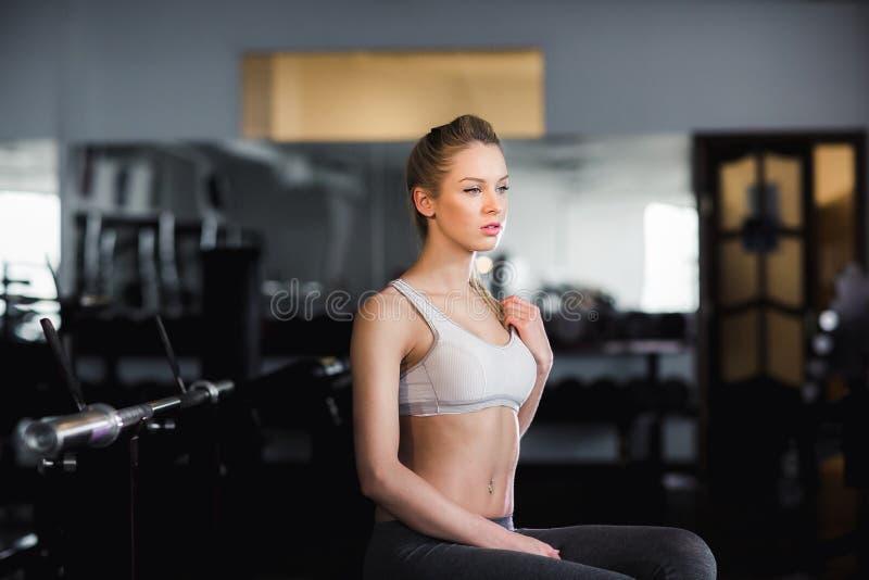 Dziewczyna w gym obrazy stock