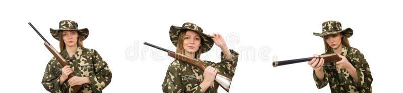"""Dziewczyna w mundurze wojskowym trzymajÄ…ca broÅ"""" na biaÅ'o zdjęcia royalty free"""
