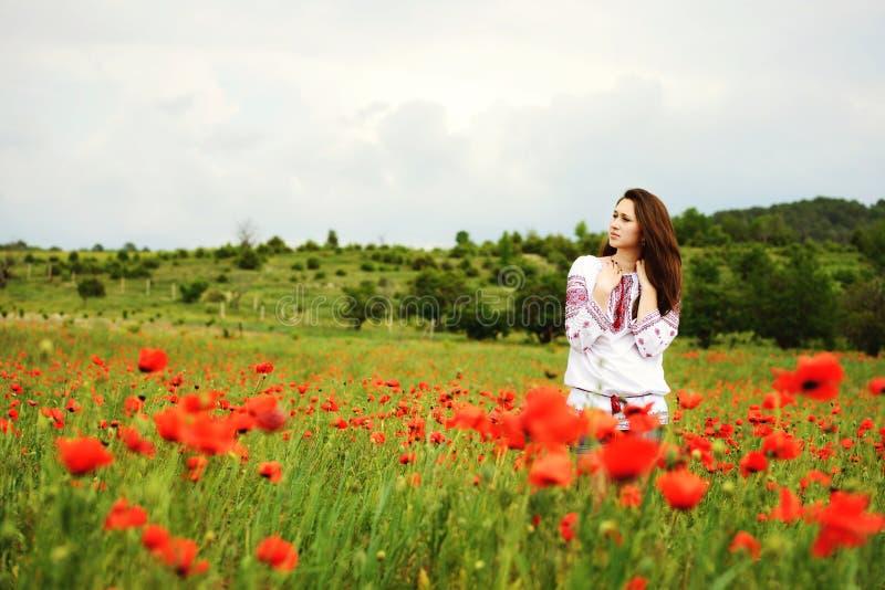 Dziewczyna w polu zdjęcia stock