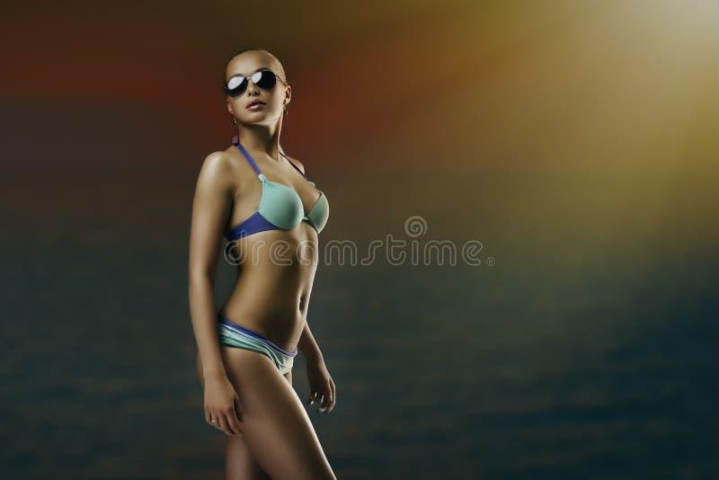 Dziewczyna w swimwear zdjęcia royalty free
