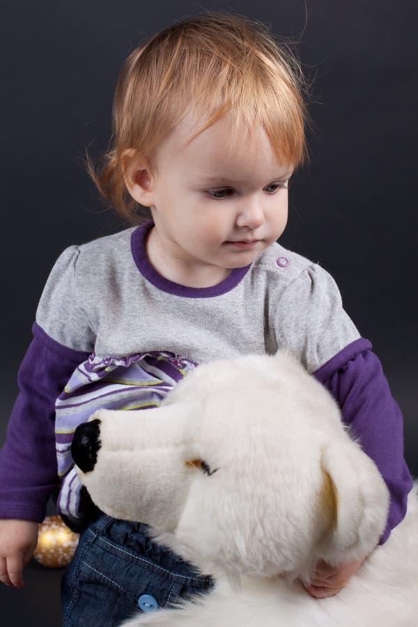 Dziewczyna z boże narodzenie zabawką fotografia royalty free