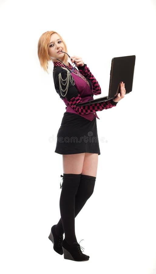 Download Dziewczyna z laptopem zdjęcie stock. Obraz złożonej z folował - 28952282