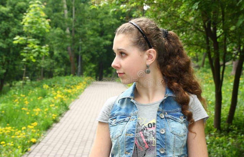 dziewczyna z lewej strony target2311_0_ ładną stronę obrazy royalty free