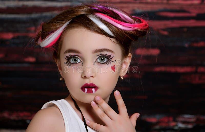Dziewczyna z pająkiem obrazy royalty free