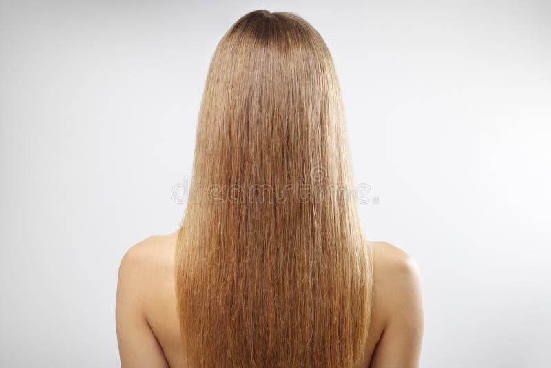 Dziewczyna z pięknym prostym włosy obrazy royalty free