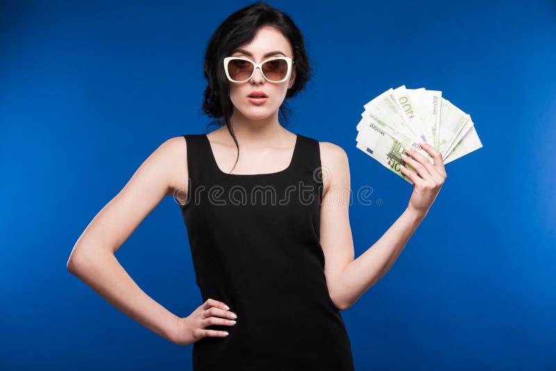 Dziewczyna z pieniądze zdjęcia royalty free