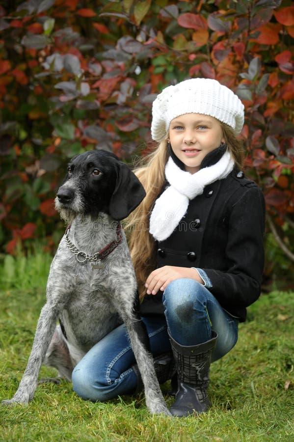 Dziewczyna z psem obrazy royalty free