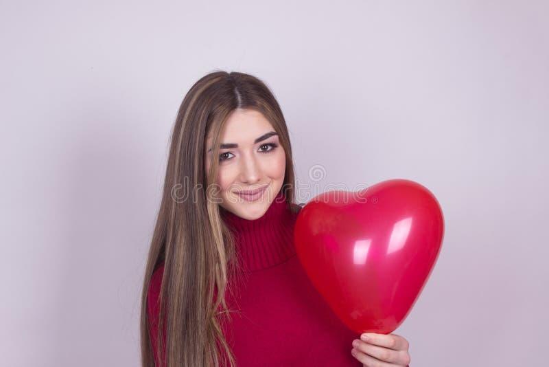 Dziewczyna z serce balonem obrazy stock
