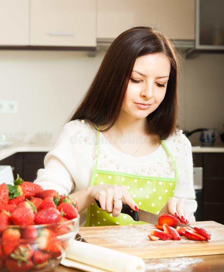 Dziewczyna z strawberrys fotografia royalty free