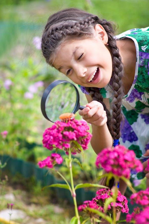Dziewczyna z TARGET382_0_ - szkło obrazy stock