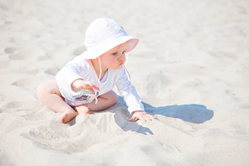 Dziewczynki plaża zdjęcia royalty free