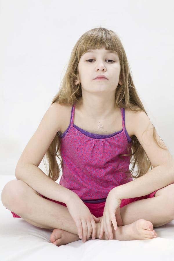 dziewczyny śliczny robi joga obraz royalty free