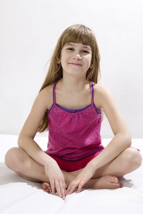 dziewczyny śliczny robi joga zdjęcia stock