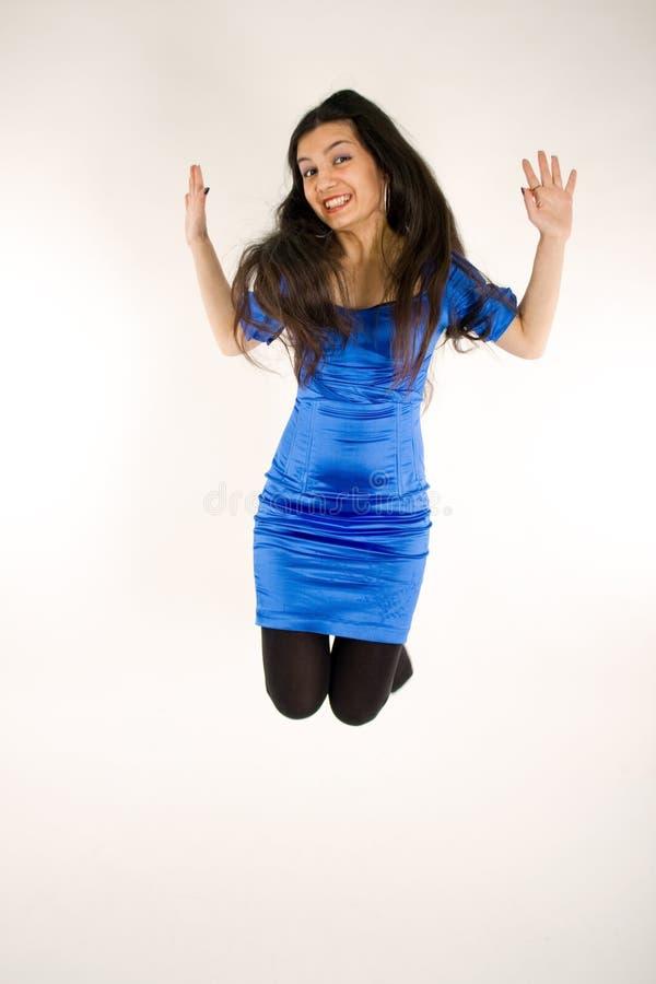 dziewczyny śmieszny doskakiwanie zdjęcia stock