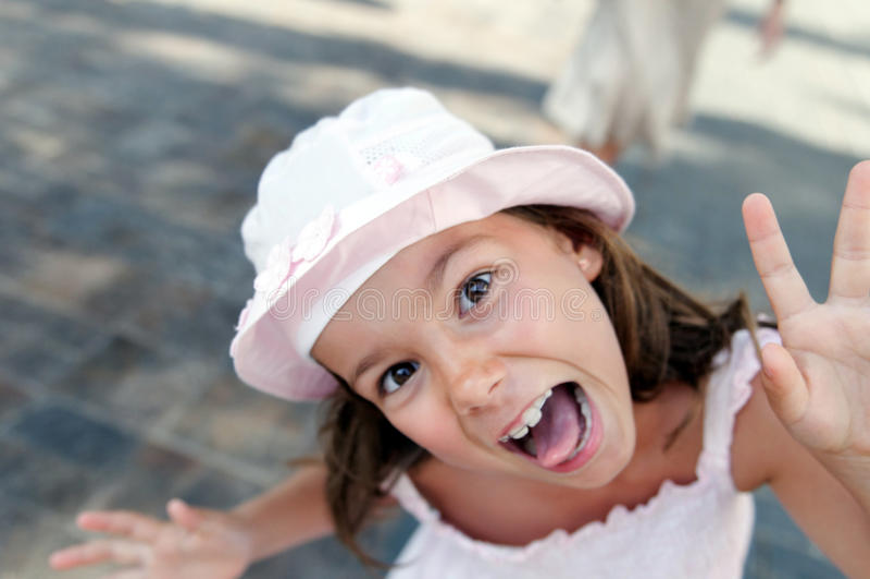 dziewczyny śmieszny sunhat obrazy royalty free