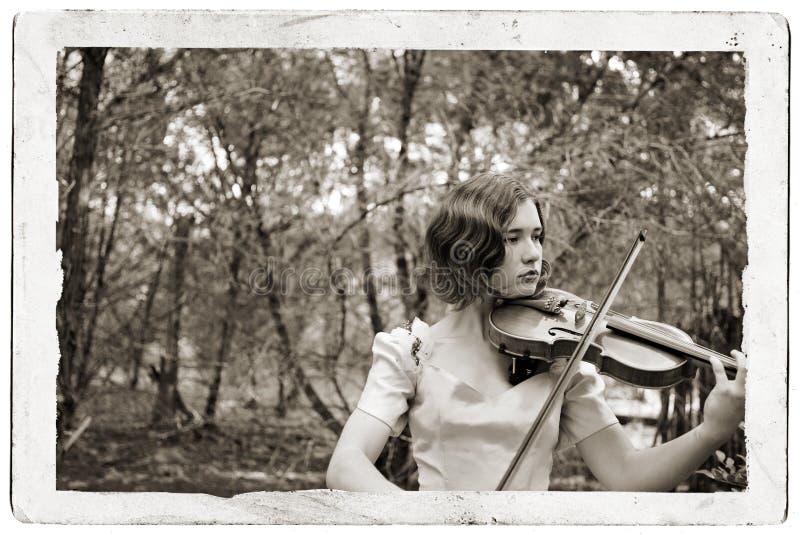 dziewczyny antyczny skrzypce pocztówki. obraz royalty free