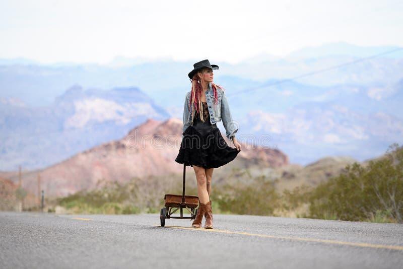 dziewczyny autostrada obrazy royalty free