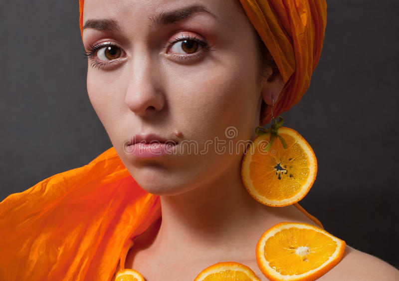 dziewczyny chustka na głowę pomarańcze zdjęcia royalty free