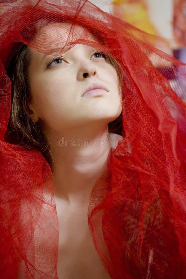 dziewczyny czerwieni chusta obraz stock