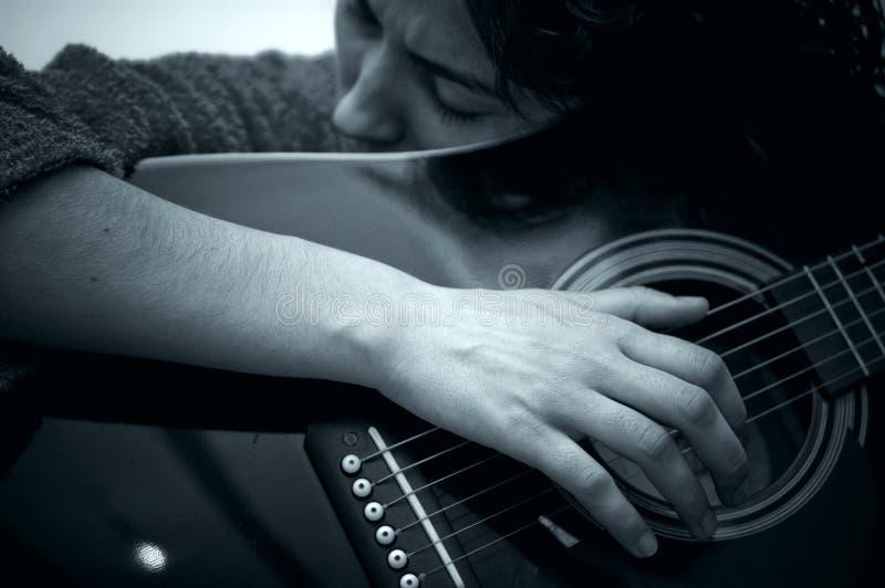 dziewczyny gitary grać zdjęcie stock