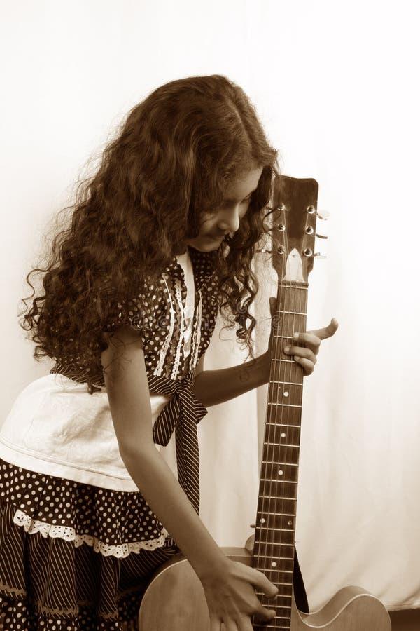 dziewczyny gitary rocznik obrazy stock