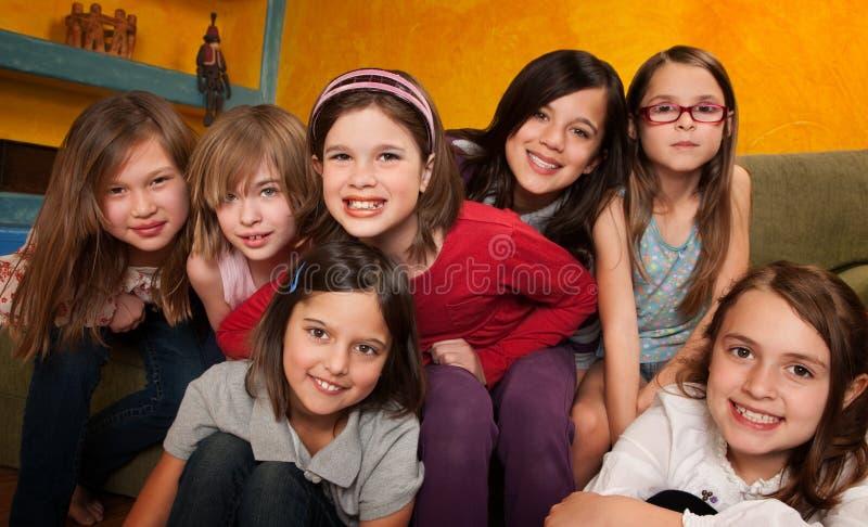 dziewczyny grupują szczęśliwy małego zdjęcie stock