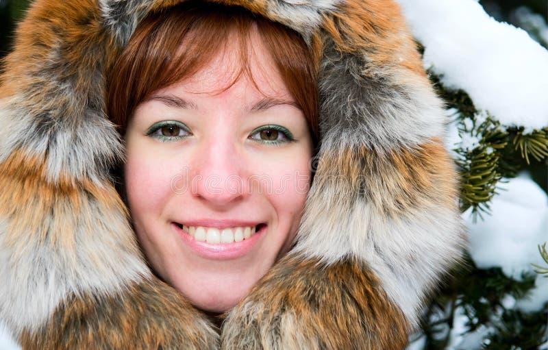 dziewczyny lasowa imbirowa zima zdjęcie royalty free