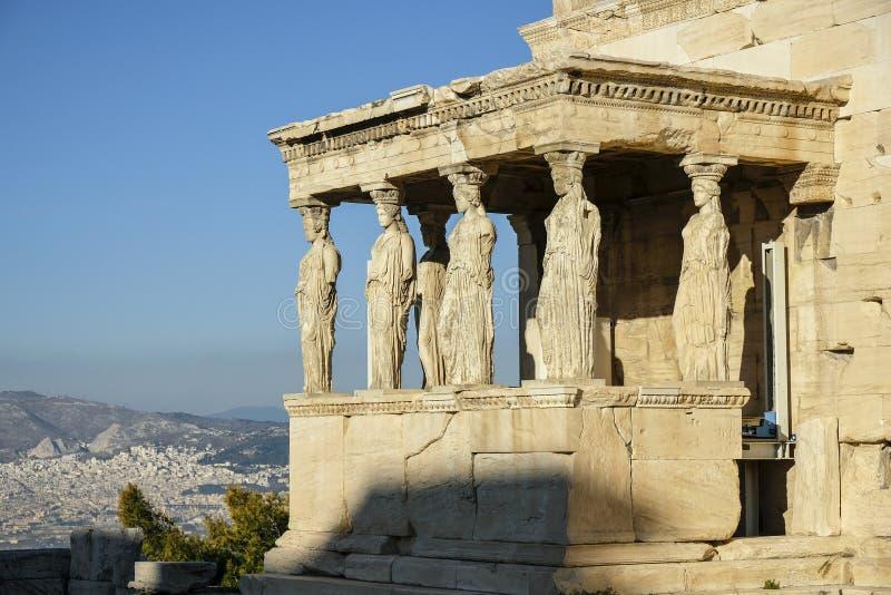 Dziewczyny lub kariatydy Erechtheion świątynia w Ateny, Grecja fotografia stock