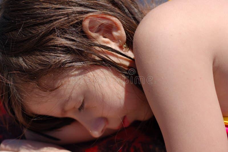 dziewczyny mały śpi fotografia stock