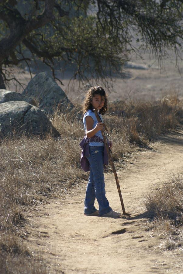 dziewczyny mały natury spacer zdjęcie royalty free
