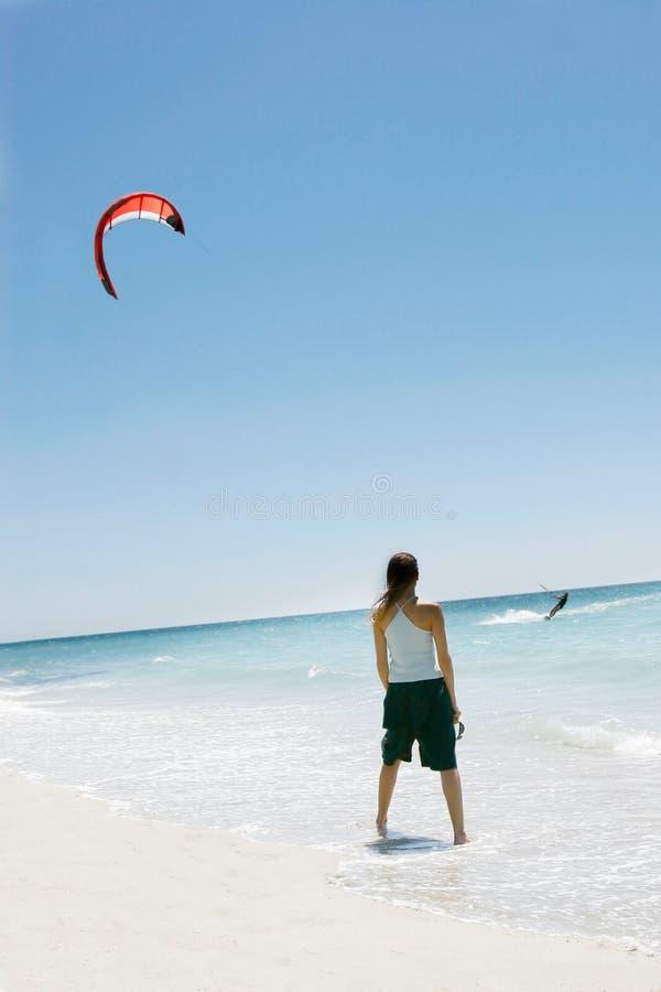 dziewczyny na latawca surfer obraz stock