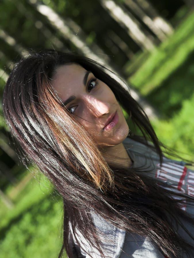 dziewczyny parka target1030_0_ relaksuję fotografia royalty free