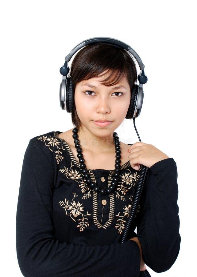 dziewczyny słuchał muzyki obraz royalty free