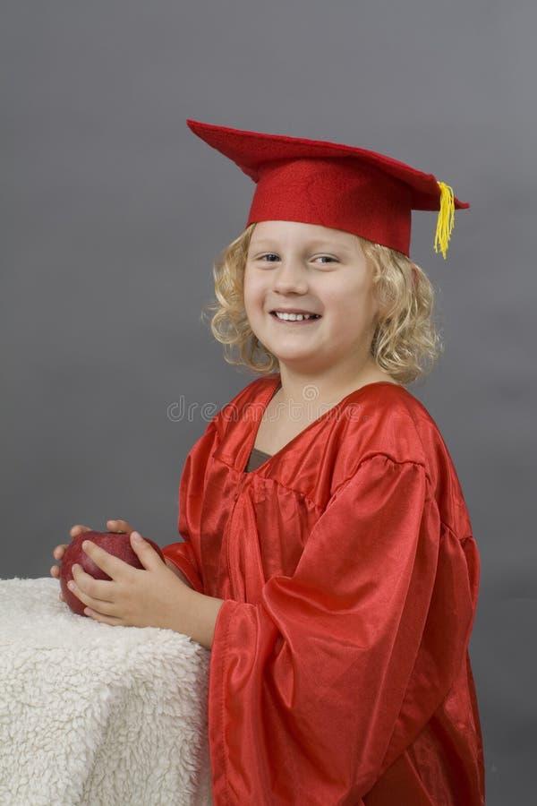 Download Dziewczyny Skalowania Mundur Obraz Stock - Obraz złożonej z edukacja, gown: 13337129