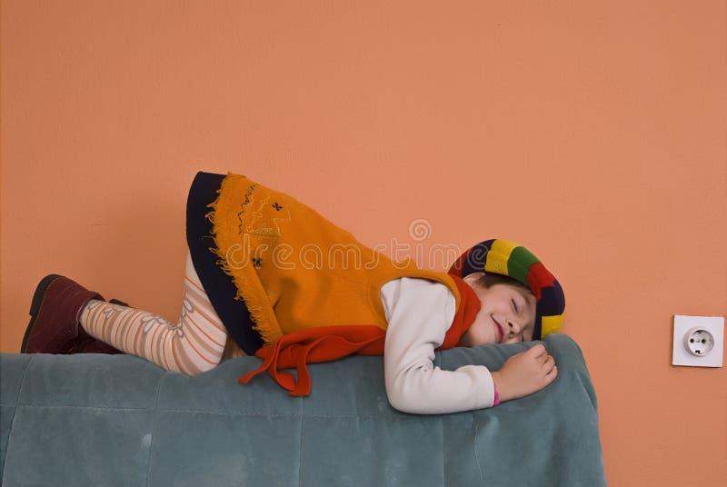 dziewczyny smokingowej mała pomarańcza zdjęcie stock