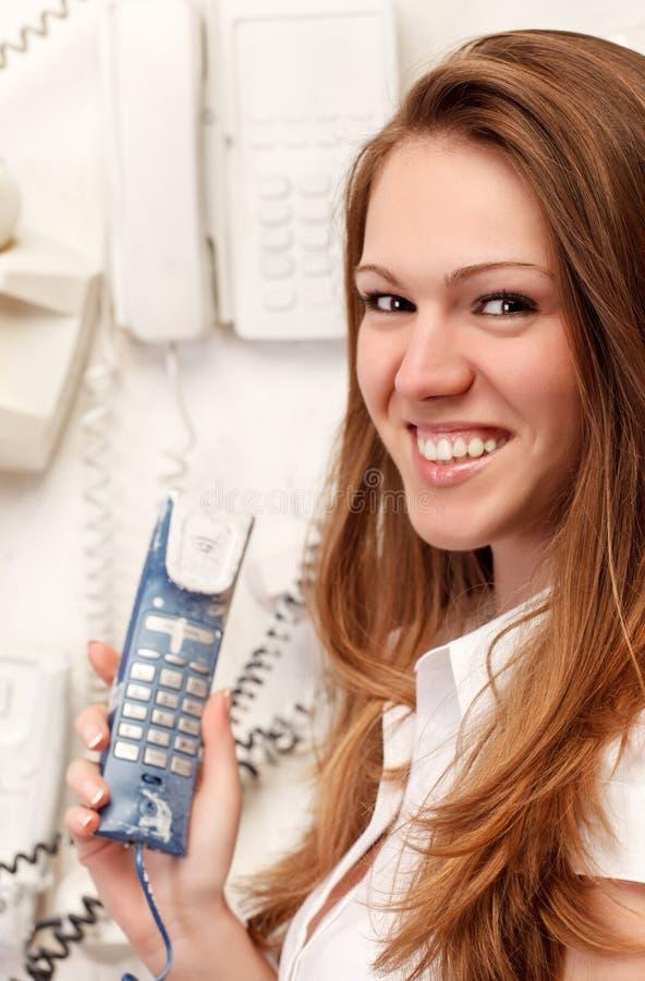 dziewczyny stary telefonu ja target344_0_ zdjęcia royalty free