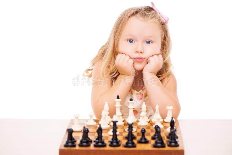 dziewczyny szachowej mała gra zdjęcia royalty free