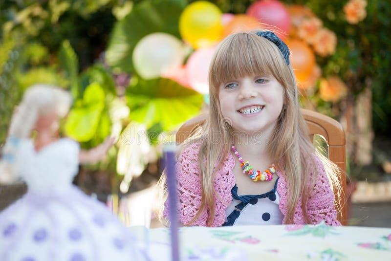 dziewczyny szczęśliwy mały uśmiech zdjęcia royalty free