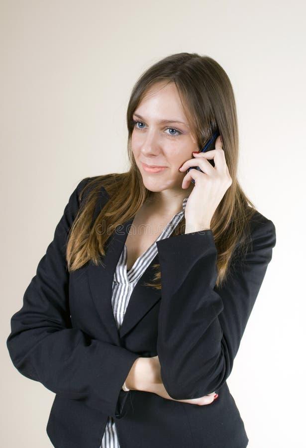 dziewczyny telefonu ładni ja target1218_0_ target1219_0_ potomstwa zdjęcie royalty free