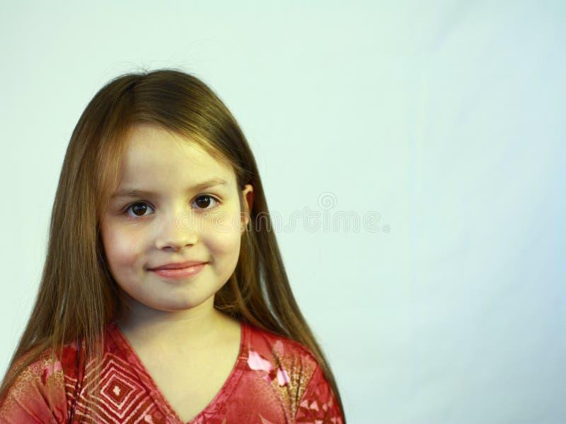 Download Dziewczyny Uśmiechu Potomstwa Zdjęcie Stock - Obraz złożonej z przypadkowy, dzieciak: 13342596