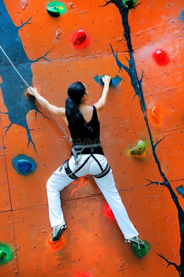 dziewczyny wspinaczkowa ściana zdjęcia royalty free
