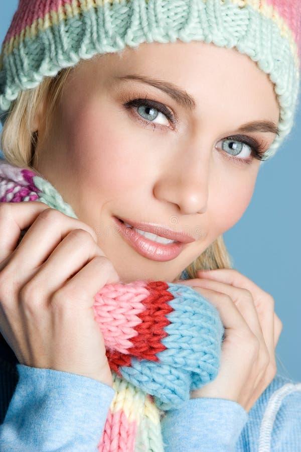 Download Dziewczyny zima zdjęcie stock. Obraz złożonej z cera, szczęśliwy - 7502428