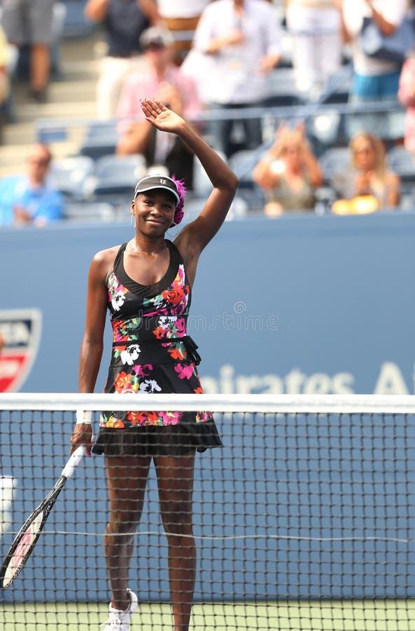 Dziewięć czasów wielkiego szlema mistrz Venus Williams świętuje zwycięstwo przy jej pierwszy round dopasowaniem przy us open 2013 obraz stock