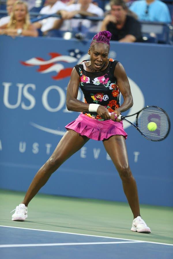 Dziewięć czasów wielkiego szlema mistrz Venus Williams podczas pierwszy round kopii dopasowywa z współczłonkiem drużyny Serena Wi zdjęcie stock